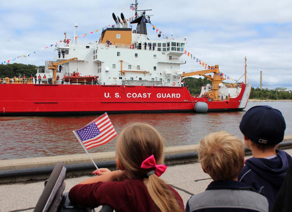 (Tribune photo/Krystle Wagner) Children watch the Parade of Ships on Monday.